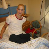 Det var ikke lett å skulle gå fra Trond-Vegar om kveldene når han måtte overnatte på sykehuset.